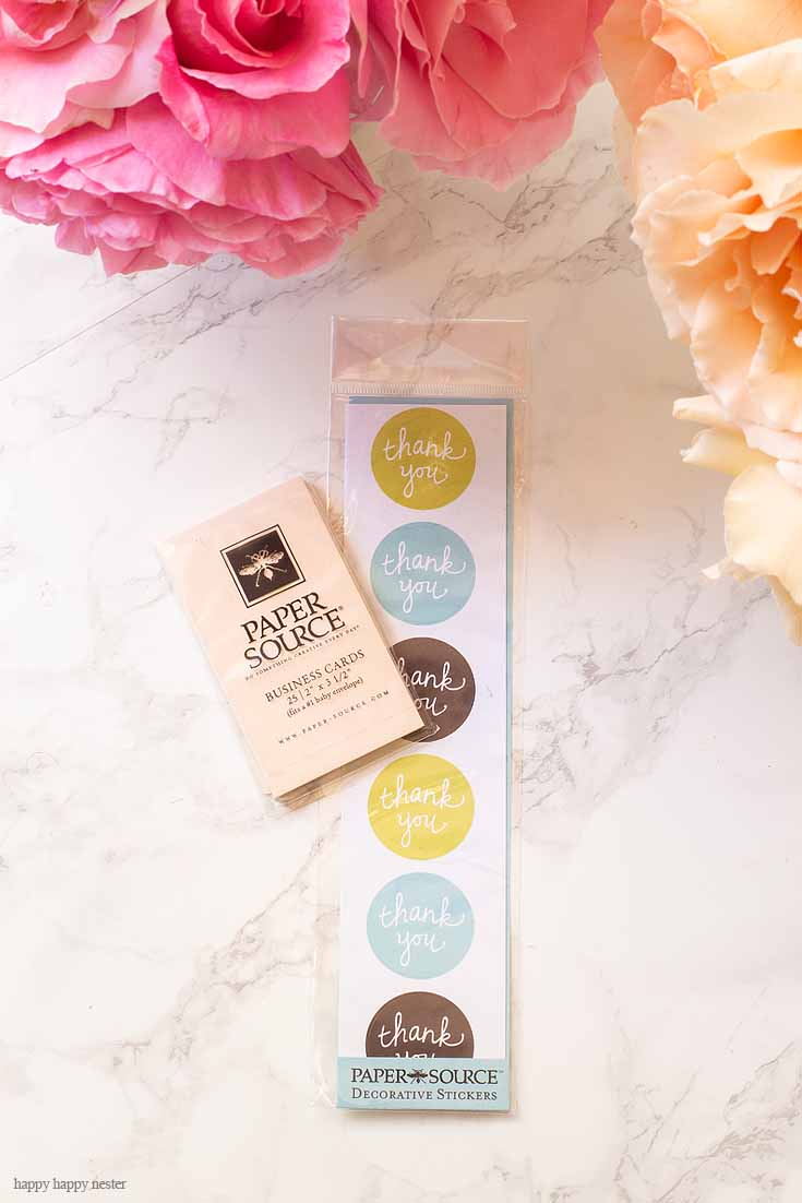 Need a Thank You Tag DIY? Then you'll want to check out this easy project. It looks cute and is super inexpensive to make! Plus you just need a few items to make these homemade cards. #crafts #cards #papercrafts #card