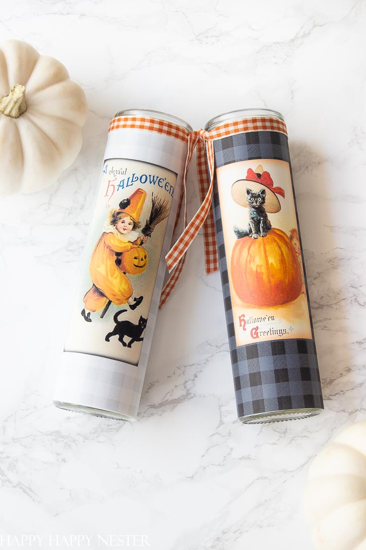 This DIY Halloween Decor Candle Label Project is so adorable and super easy. This free printable is placed on a glass holder, and it's ready for Halloween. Place it on your table or on your front porch for Halloween Trick or Treaters. #crafts #plaidcrafts #flannel #homedecor