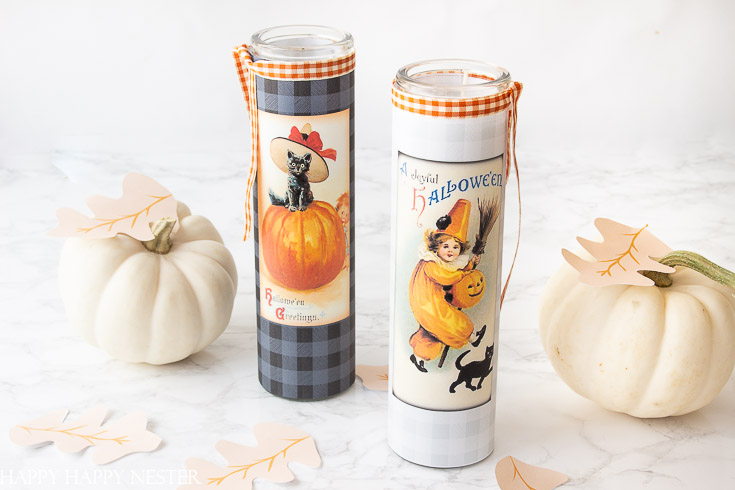 This DIY Halloween Decor Candle Label Project is so adorable and super easy. This free printable is placed on a glass holder, and it's ready for Halloween. #crafts #halloween #halloweencrafts #candles #freeprintables
