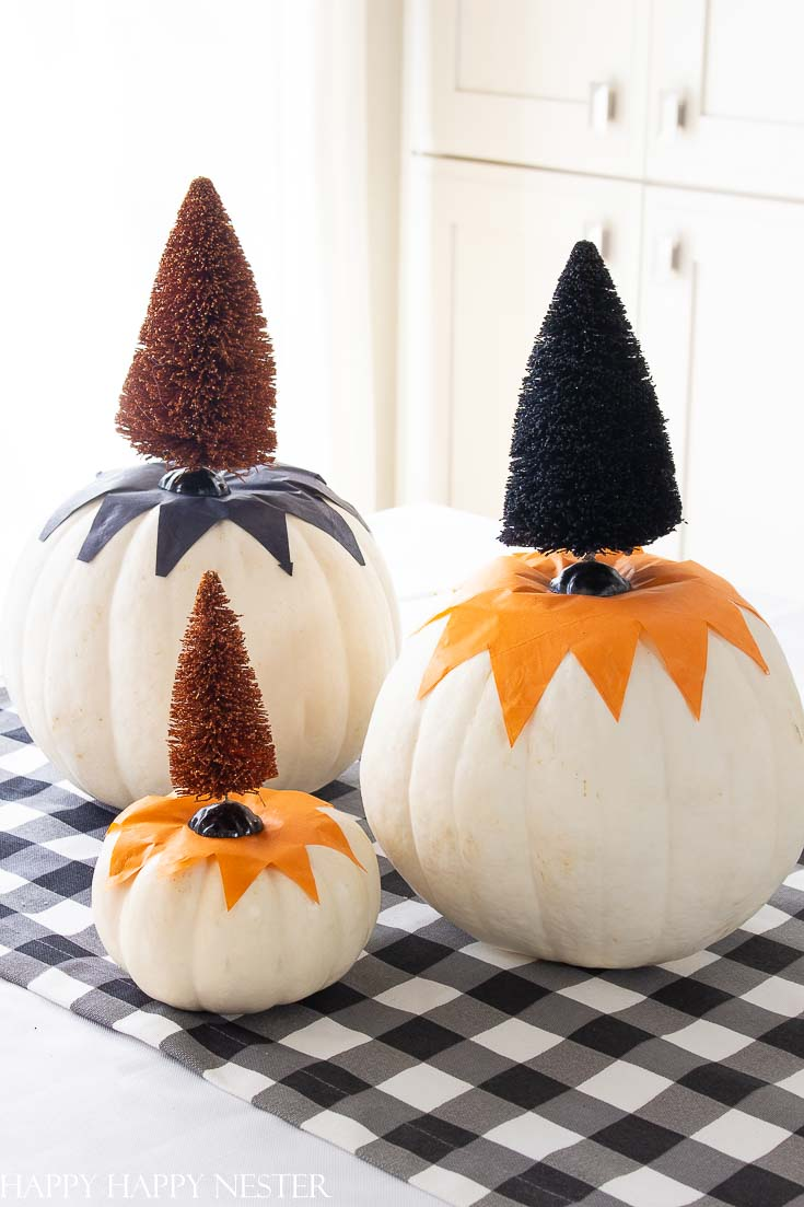 This post has over 16 of the Best Decorating Pumpkin Ideas for Halloween. It includes so many great, easy and cute pumpkin ideas DIY. Some projects are no carve pumpkins and other's involve carving. Don't miss this post! #halloweencrafts #crafts #pumpkindecor #pumpkincrafts