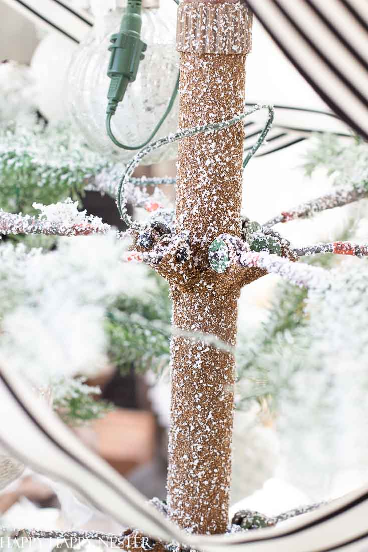 See the fine details about this Balsam Hill Christmas tree. This post covers the fine details of this faux tree. Be informed before buying your artificial Christmas tree this year. #artificialtree #christmastree #balsamhilltree #alpinechristmastree