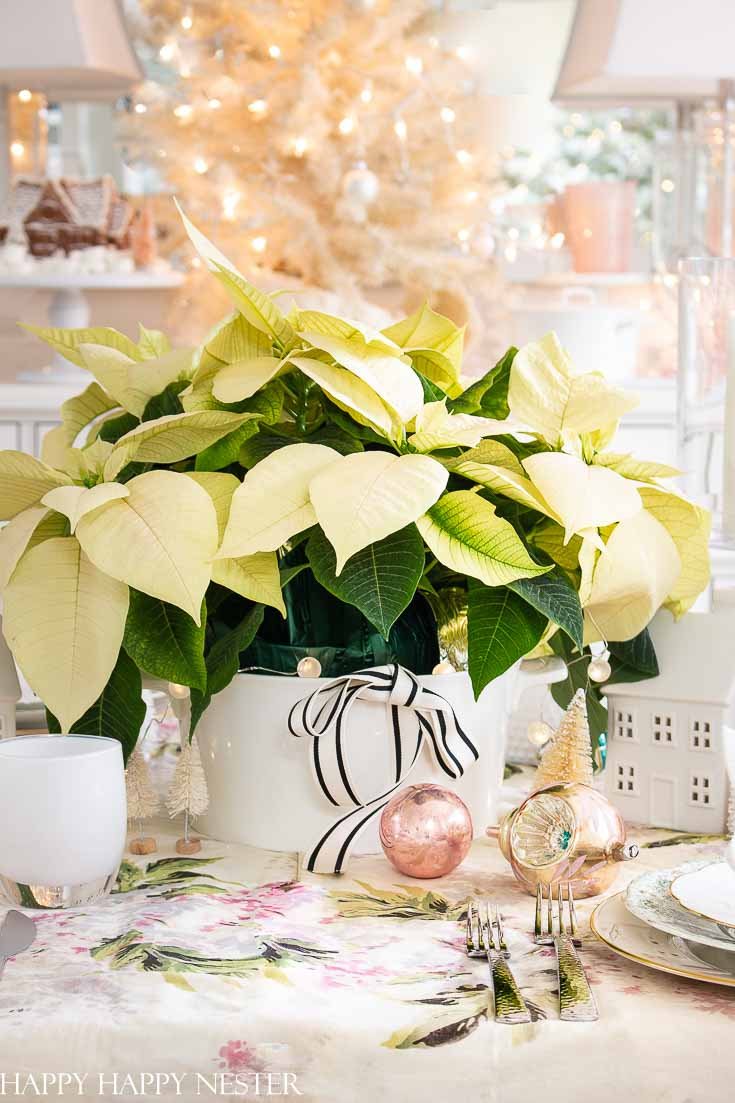 If you need Table Ideas For Christmas Decorating, then you'll want to view this great post. I used six easy steps to create this vintage holiday table. Also, many bloggers are sharing their beautiful table ideas. #decorating #holidaydecorating #tableideas #Christmastables