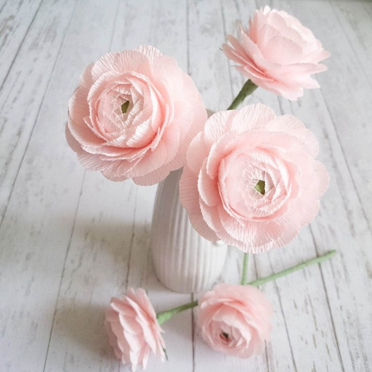 These impressive pink ranunculus paper flowers look like the real thing.