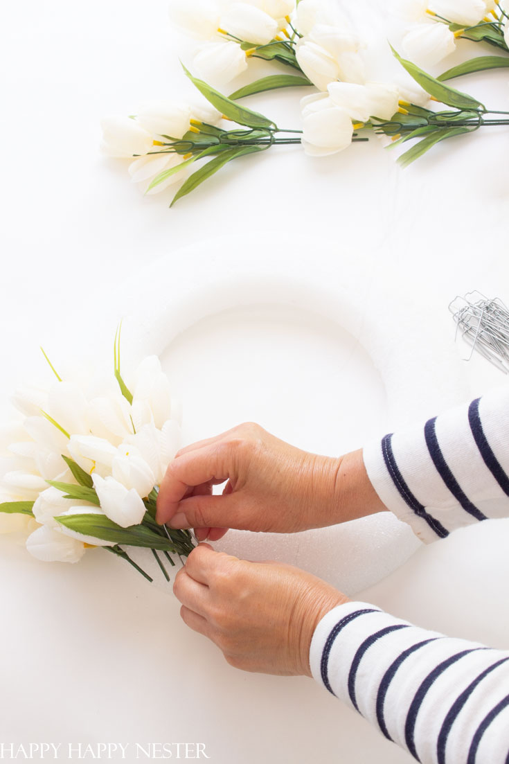 easy white tulip wreath diy