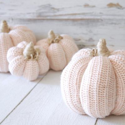 21 Cutest Fabric Pumpkins Roundup