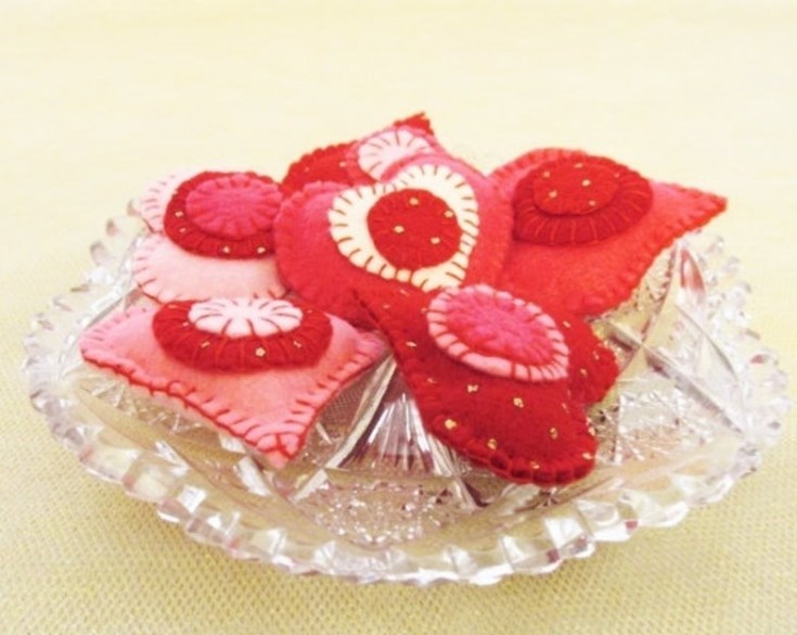 cute felt hearts valentine's day decorations