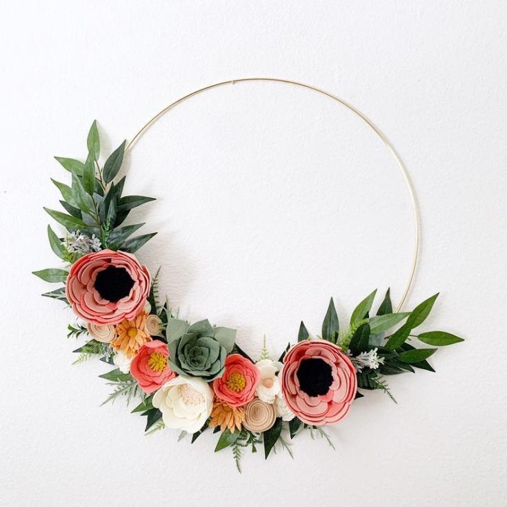 spring wreath made of felt