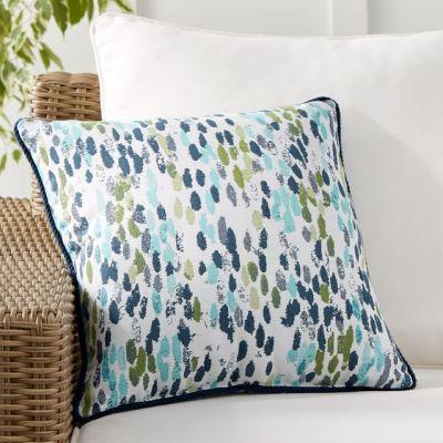 31 Best Outdoor Pillows (Sunbrella)