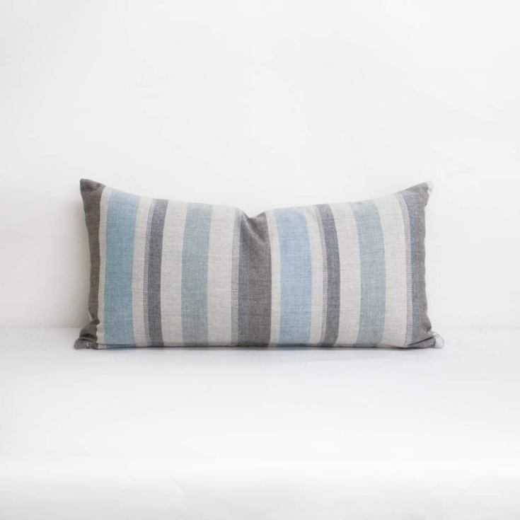 the best outdoor accent pillow