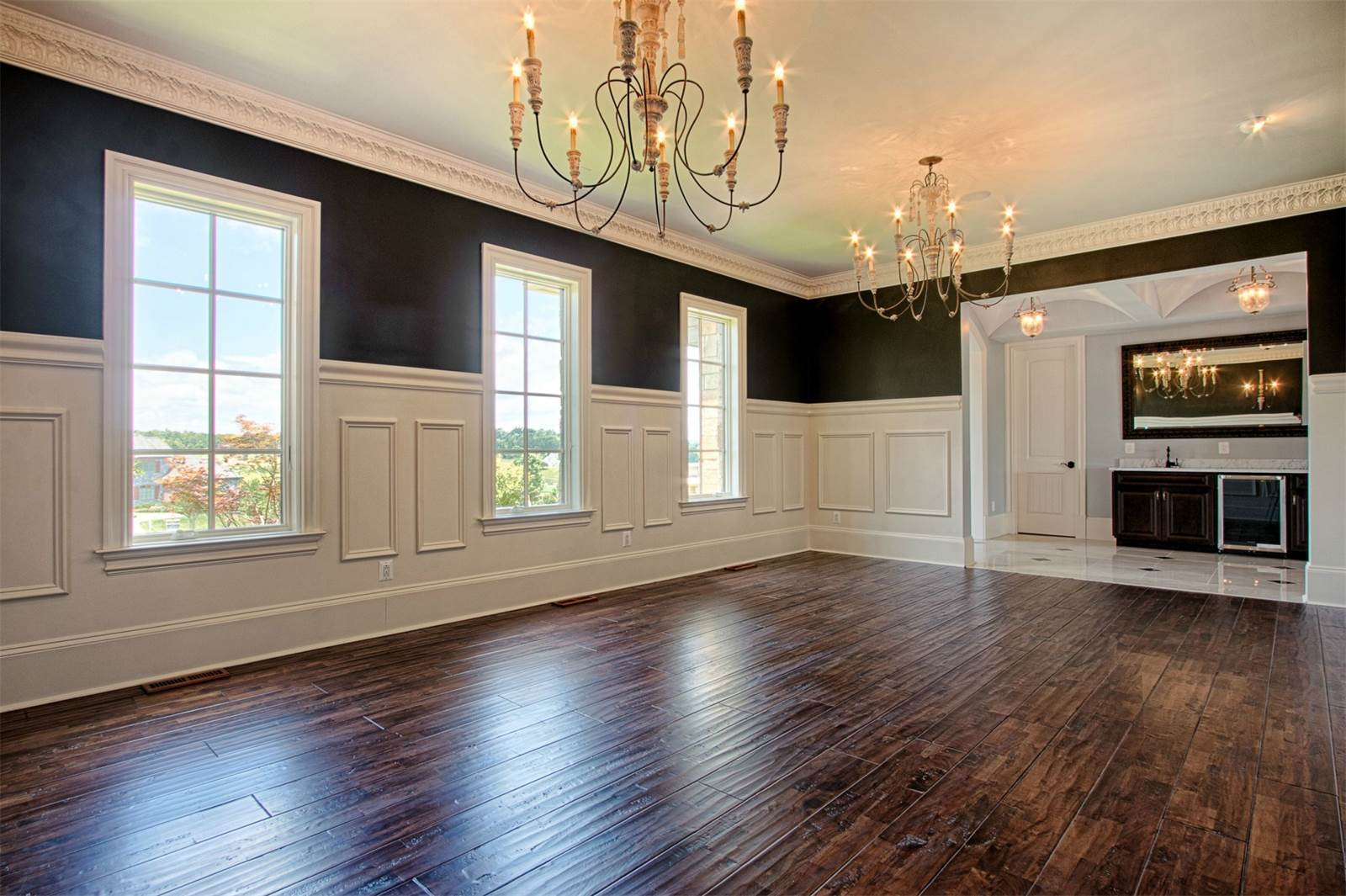 What Type Of Wainscoting Is Right For Your Home Explore