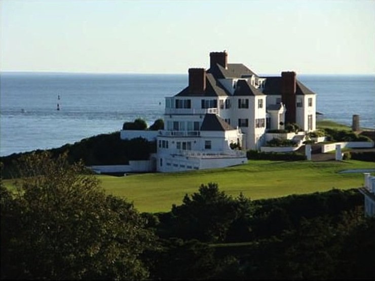 this-is-high-watch-in-rhode-island-taylor-swifts-seaside-mansion
