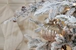 How to Decorate a Christmas Tree with Ribbon Using Different Methods