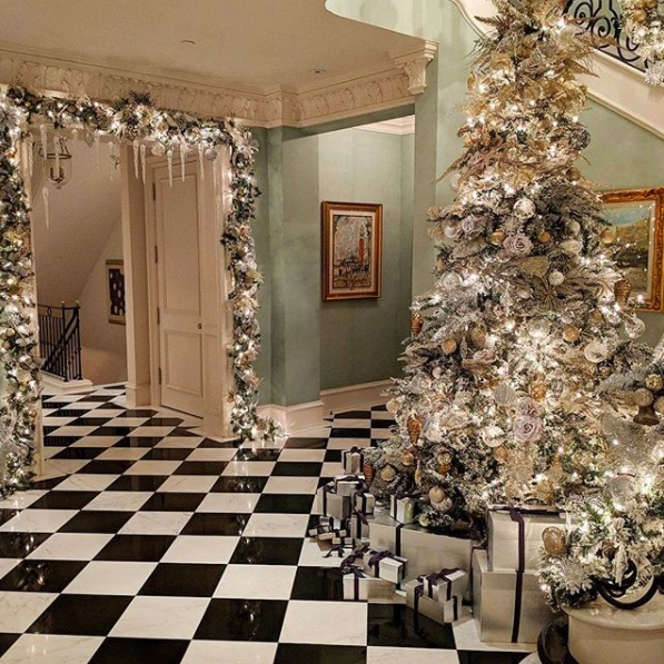 Celebrity Christmas Trees Of 2017 Happy Haute Home
