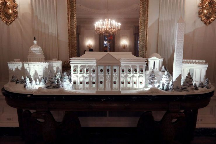 gingerbread-buildings-from-the-national-mall-including-the-news-photo-1072559432-1543261255