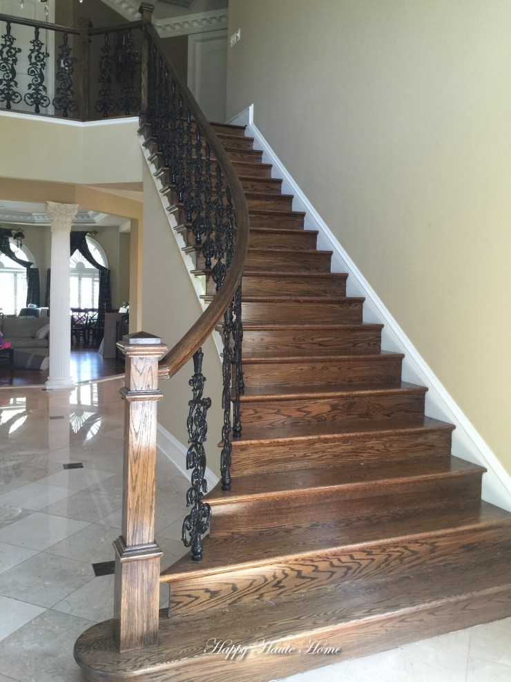 Foyer Before Stairs