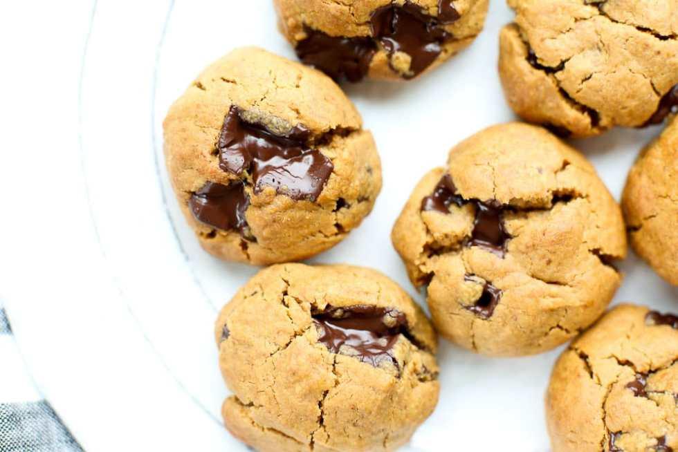Flourless Peanut Butter Chocolate Chunk Cookies Recipe