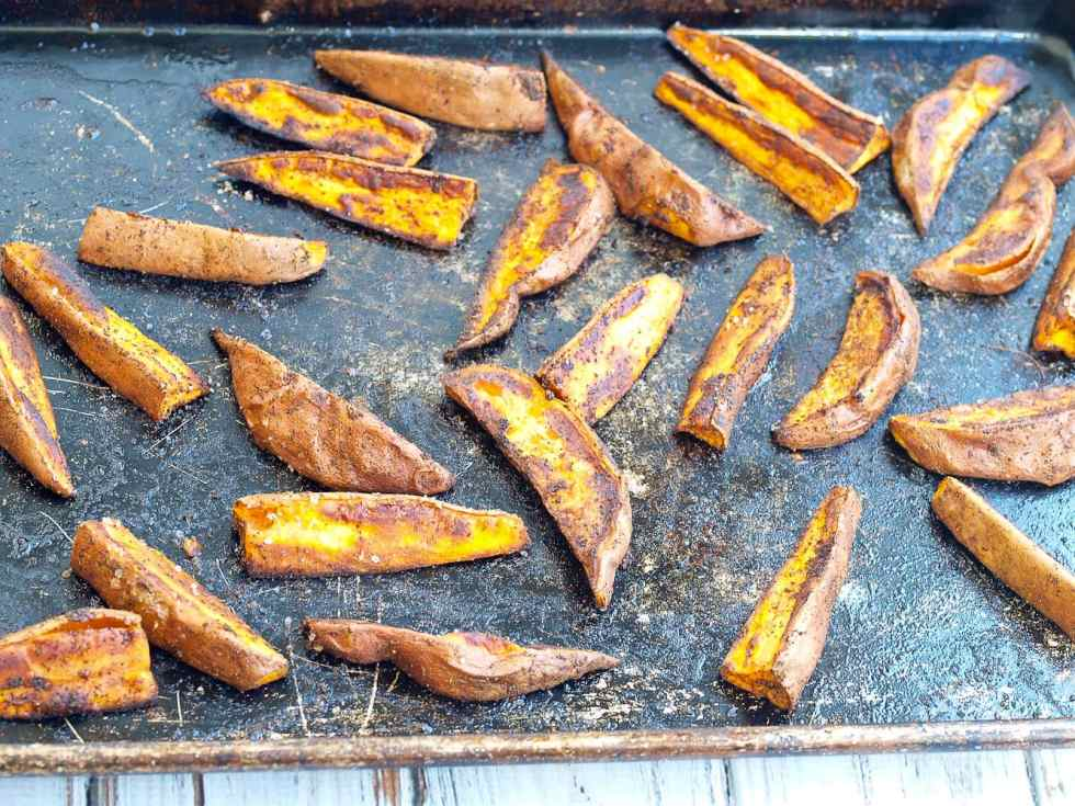 The best roasted sweet potato recipe of your life! Lots of flavor!!