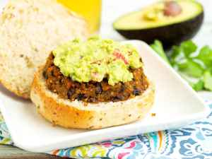 Sweet-Potato-Black-Bean-Burgers