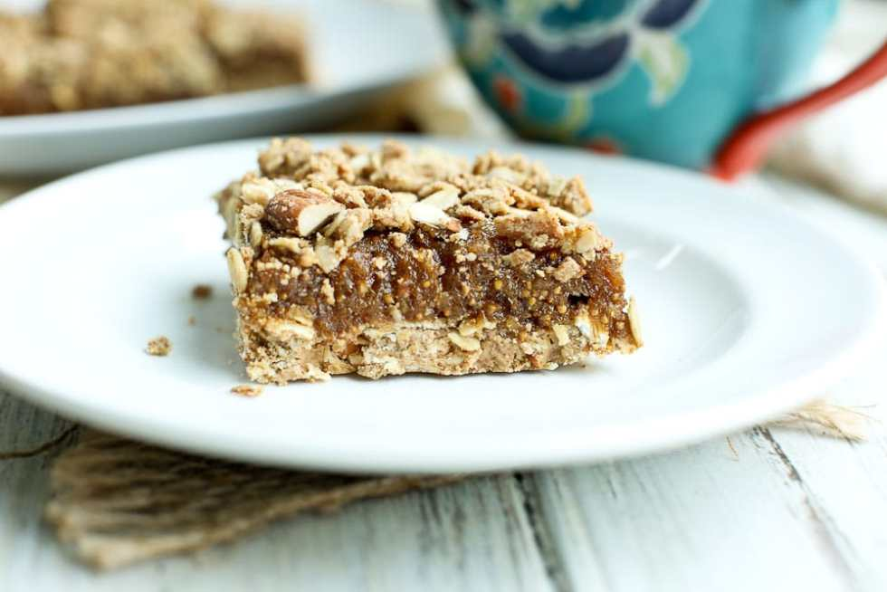 Oatmeal Fig Bars Recipe vegan and gluten-free