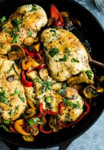 Skillet-Chicken-with-Mushrooms-and-Peppers close up shot