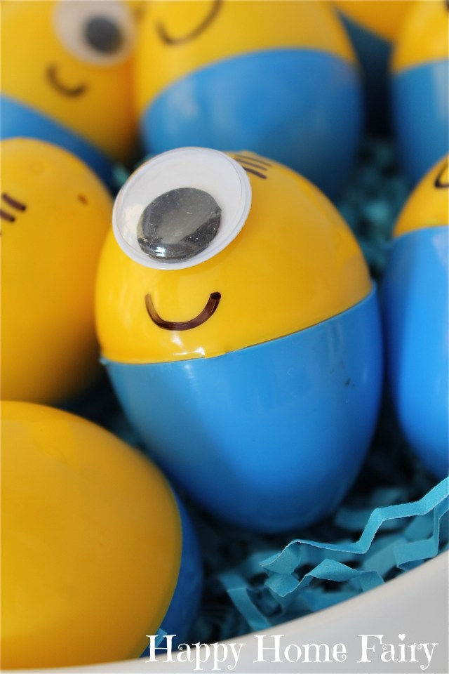 how to make minion eggs for Easter! couldn't be easier! and so cute!!!