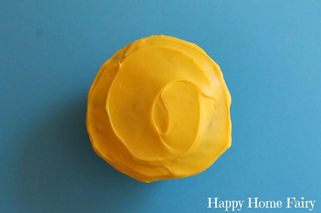 sunshine cupcakes 1.jpg