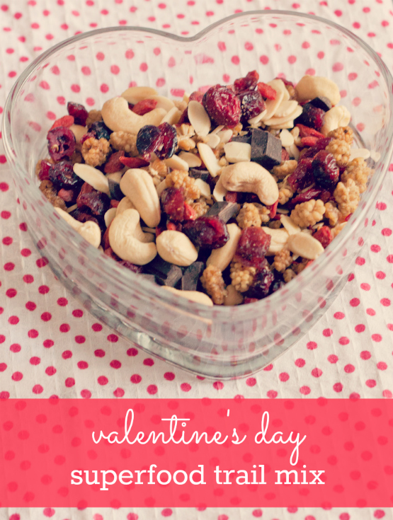 ValentinesDaySuperfood-Trail-Mix1