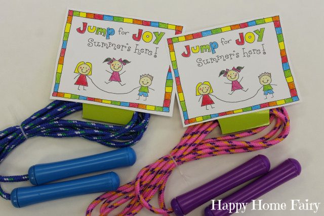 end of year gift for classmates! SO ADORABLE. Free Printable
