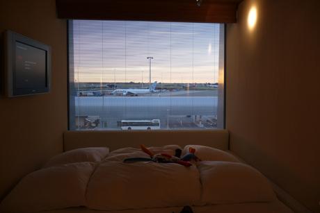 Citizen-M-Hotel-Amsterdam-Airport-Schiphol-Room-4