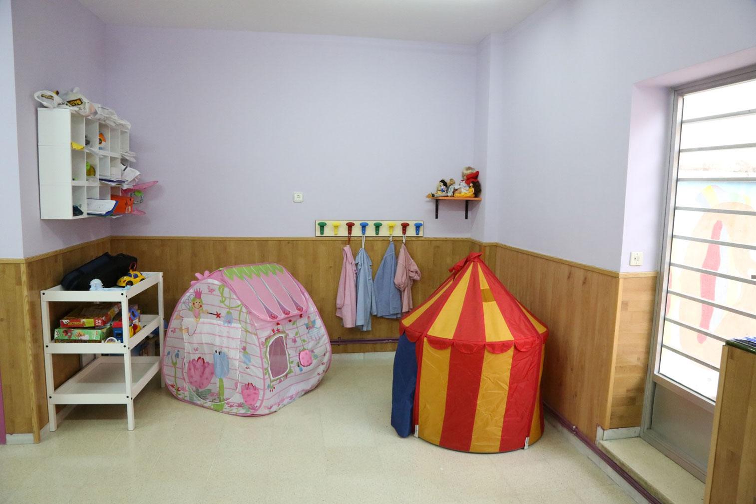 happykidshouse 21757x505 2x - Galería aula 2-3 años