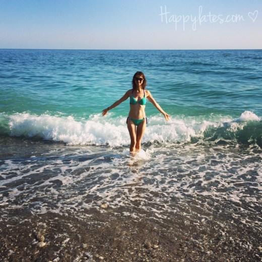 Девушка и море, Абхазия, Гагры