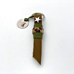 Nyckelring med läder