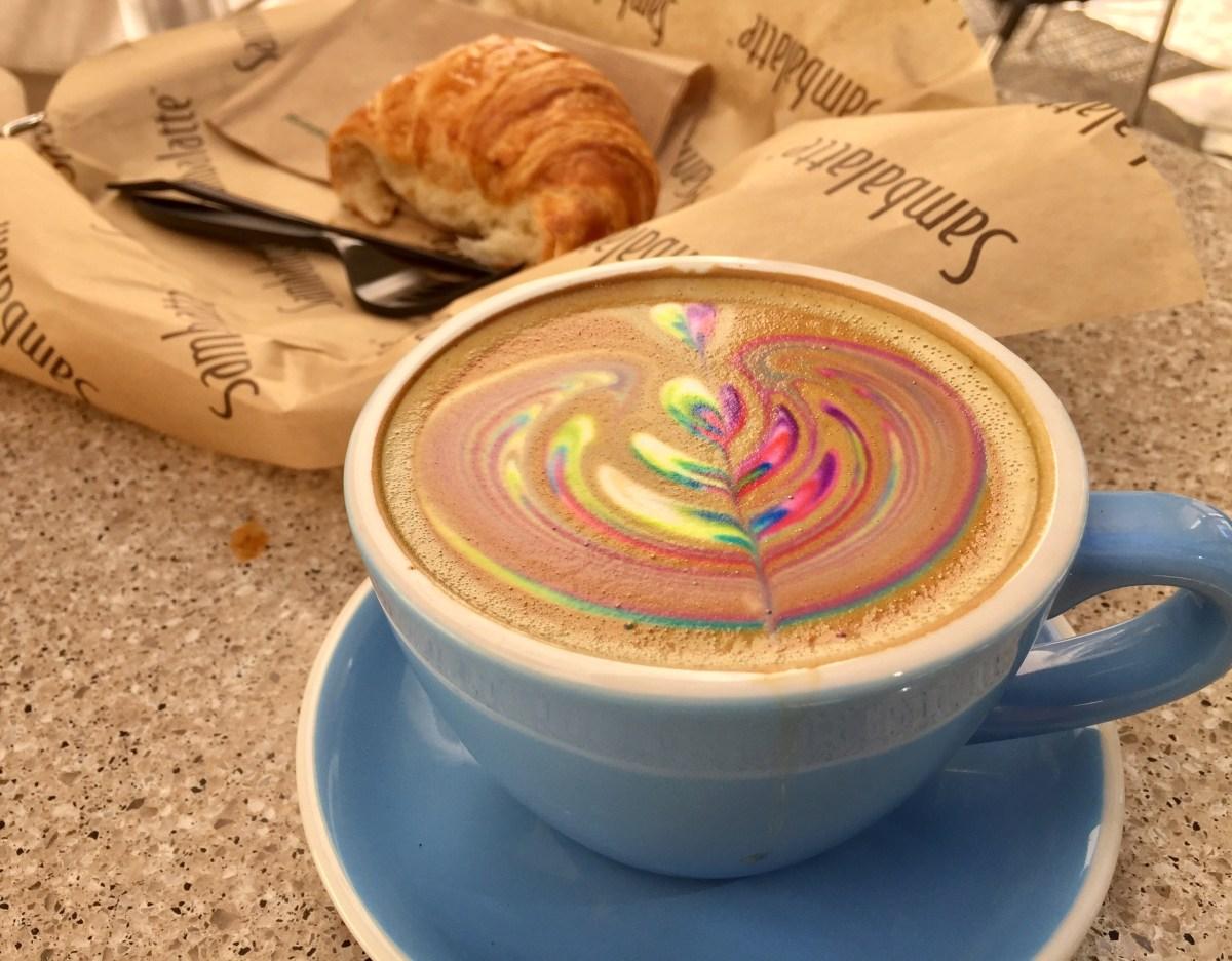 Sambalatte rainbow latte #sambalatte #rainbowlatte #coffeeart #vegas #lasvegas