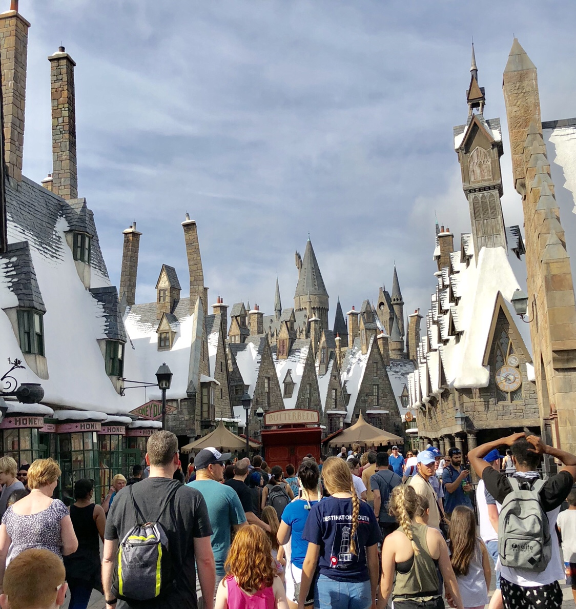 Hogsmeade | Wizarding World of Harry Potter #hogsmeade #wizardingworldofharrypotter #harrypotter #hogwarts #islandsofadventure
