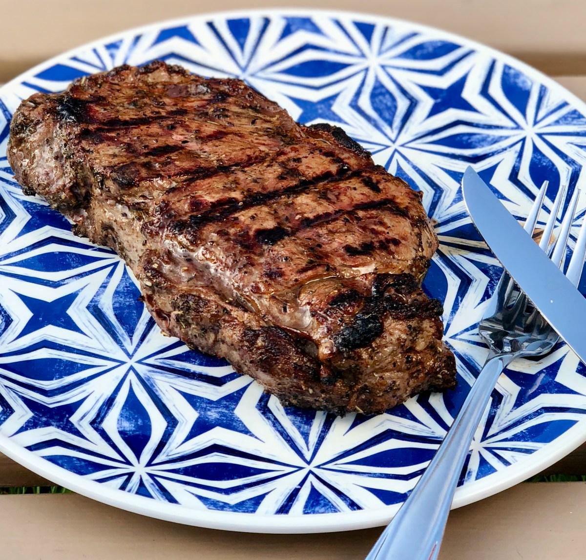 My All Time Favorite Steak Marinade! by Happylifeblogspot.com #steak #grilledsteak #steakmarinade #howtogrillasteak #marinadeforsteaks