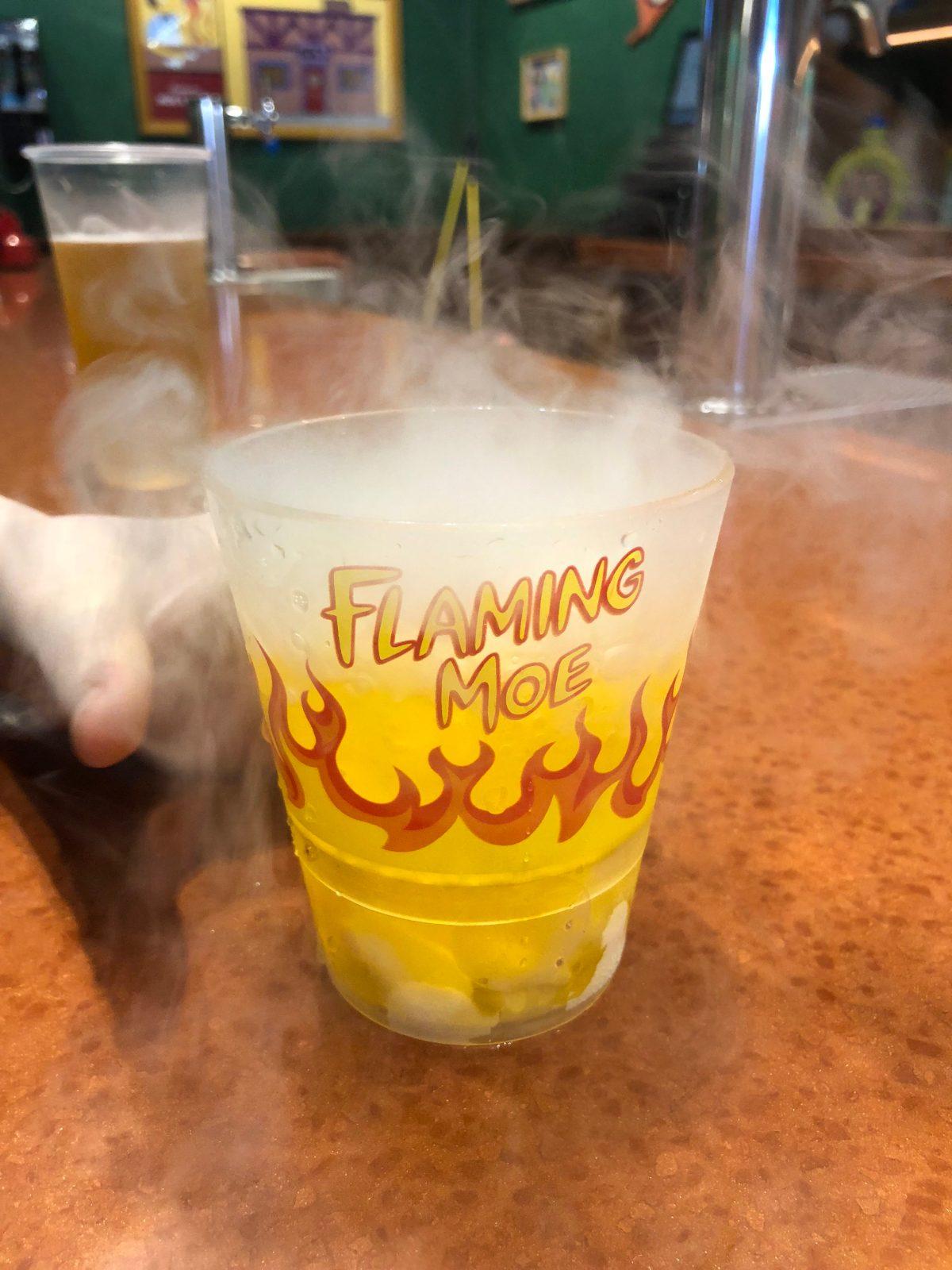 Flaming Moe at Moe's Tavern #flamingmoe #moestavern #universalorlando #whattoeatatuniversal #simpsonsdrink