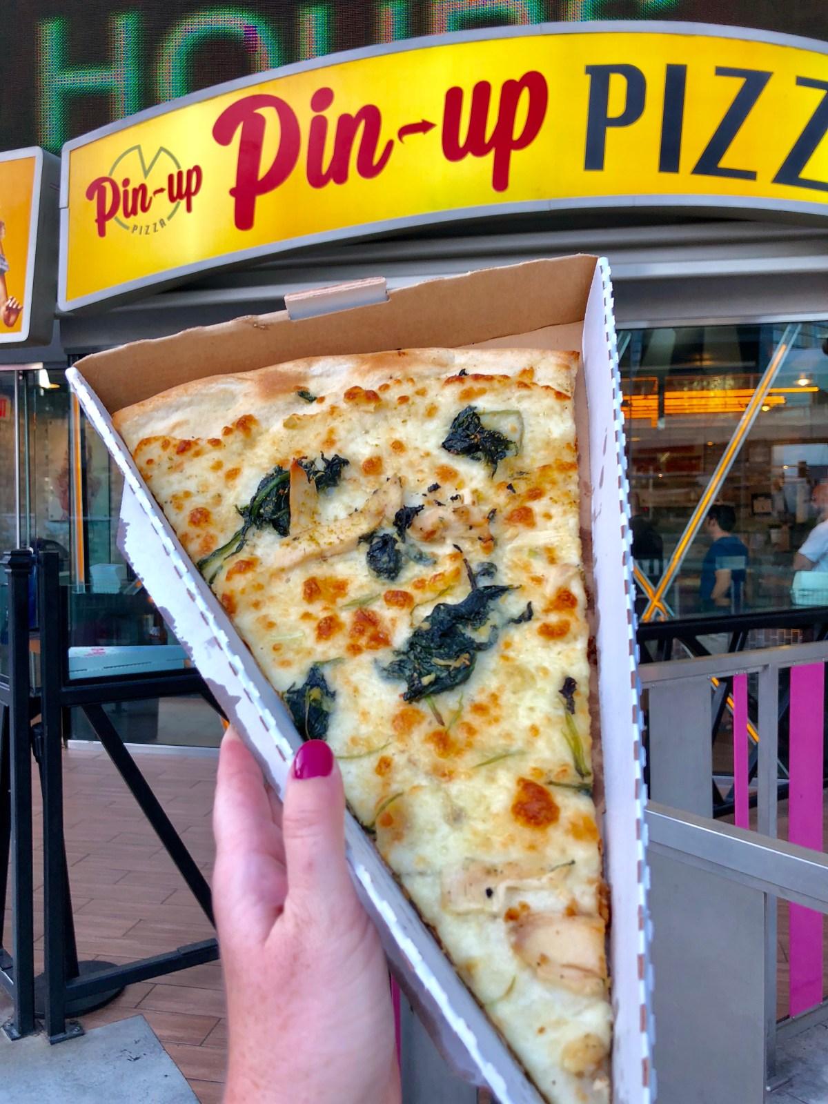 Pin-Up Pizza | Planet Hollywood #lasvegas #wheretoeatinvegas #giantpizzaslice #pizzalasvegas #pinuppizza
