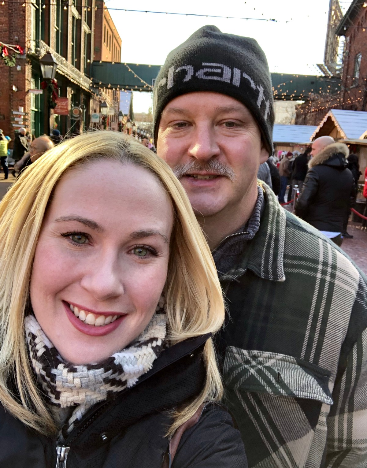 Happylifeblogspot at the Toronto Christmas Market #torontochristmasmarket #toronto #distillerydistrict #ontario #christmasmarkets