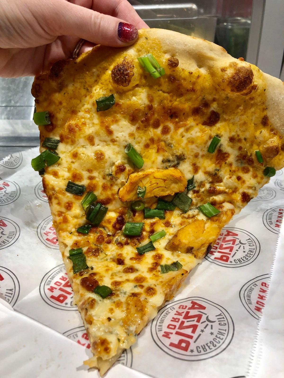Crescent City PizzaWorks | Bourbon Street #bourbonstreet #frenchquarter #nola #neworleans #whattoeatinneworleans