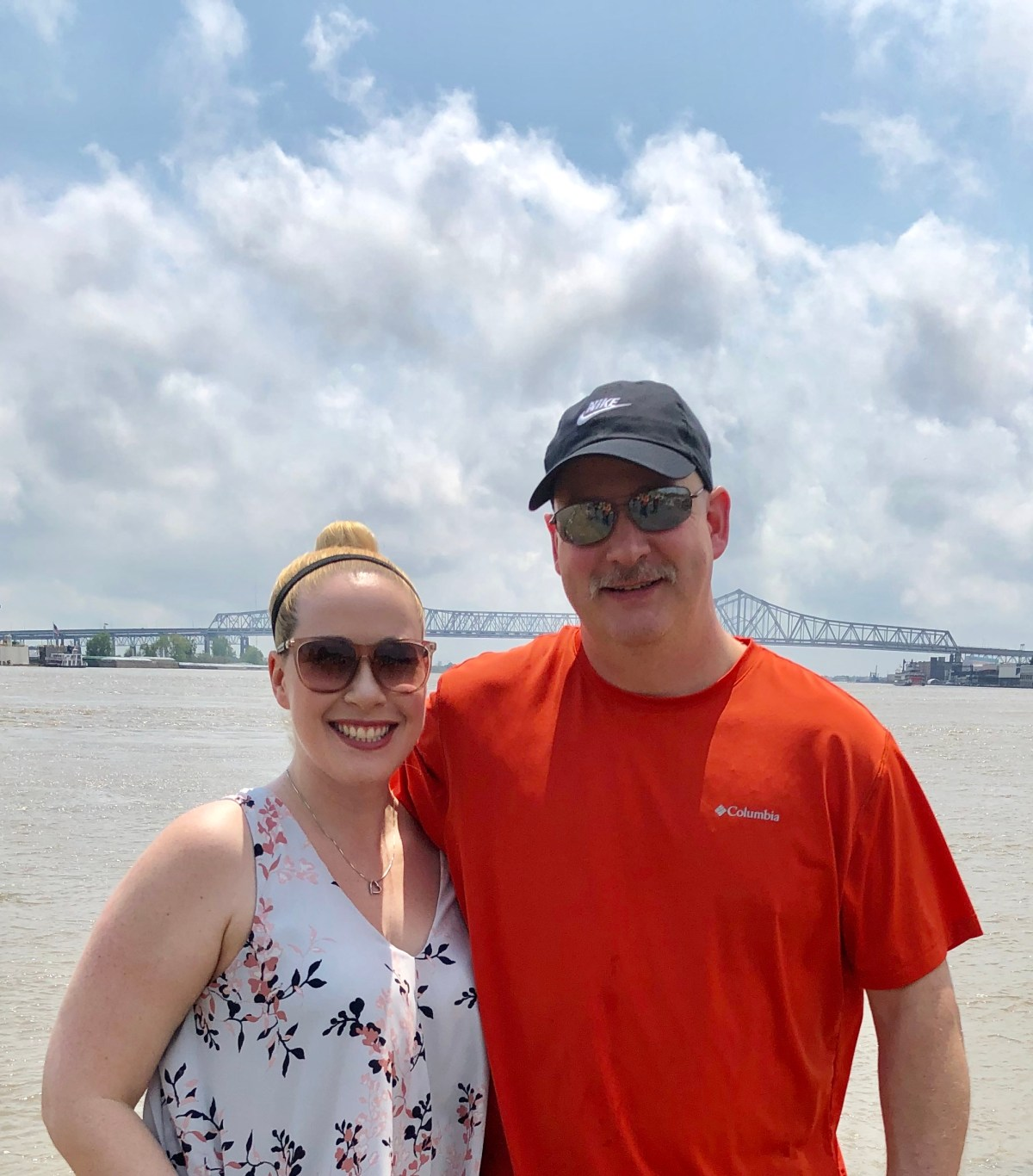 Mississippi River, New Orleans #neworleansoutfits #mississippiriver #neworleans #nola #whattowearinnola #howtodressinneworleans #neworleanspackinglist #neworleansattire