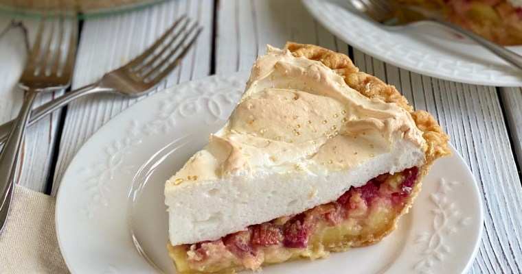 The BEST Rhubarb Meringue Pie