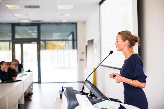 Jak zaujmout publikum a být dobrý řečník