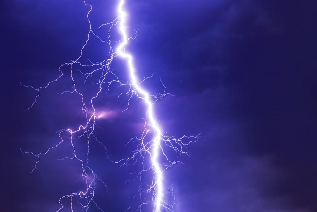 co dělat při bouřce
