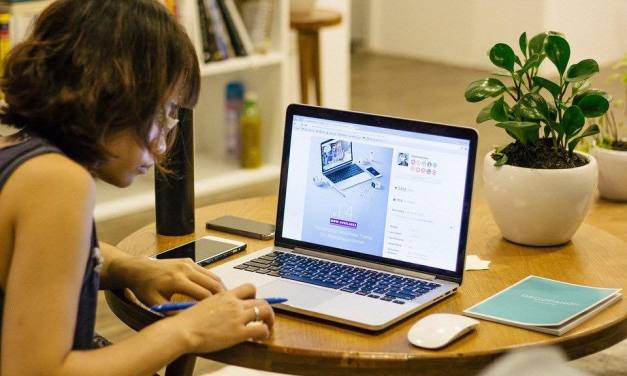 20 tipů jak vydělat na internetu a nemuset chodit do práce