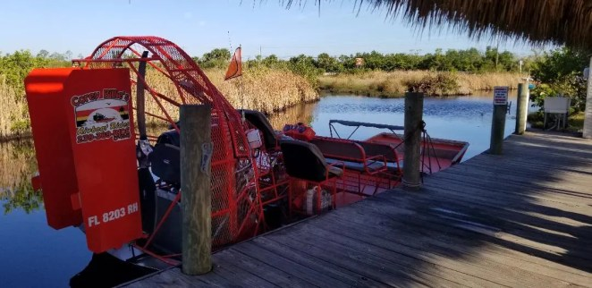Best Airboat rides in Florida and Guide to Everglade City with kids. Find out how to make this into a fun filled family day out. Visiting Alligators, birds, visiting local museums and find great restaurants. #airboatride #visitflorida #florida #alligators #evergladecity #familytravel