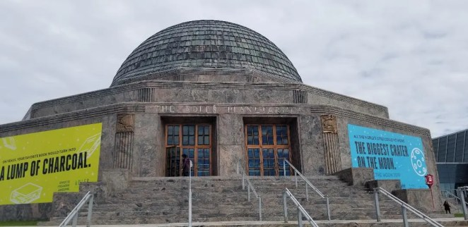 Chicago's Adler Planetarium -  Best Things to do with kids. A fun  Museum in Illinois to learn about space with your family. Find out everything you need to know about this Chicago Museum before you go. #chicagoattraction #adlerplanetarium #travelwithkids #familyvacation #chicago