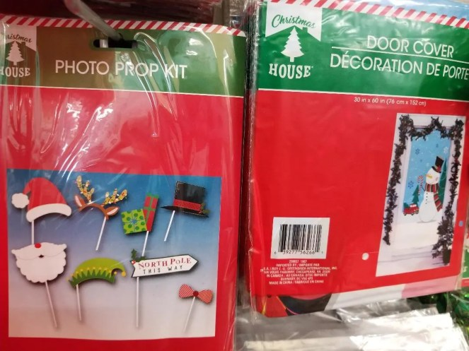 Fun Dollar Tree Christmas DIY Decorations & Gifts. How to easily decorate your home, kids crafts, stocking stuffers and hostess gift ideas. All for $1! A huge budget saver this holiday. #dollartree #dollarstore #christmasdecor #christmasdecorations #hostessgift #stockingstuffers #giftideas #christmas