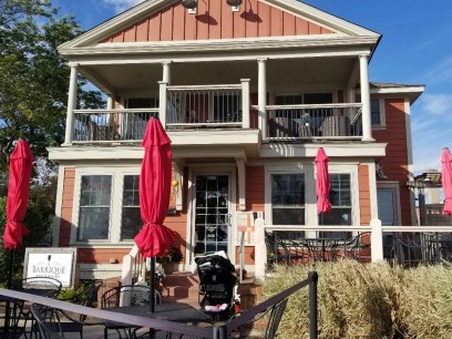 Barrique Bistro & Wine Bar in Lake Geneva Wi. Fun wine bar & resturant with inside and outside seating and delicious small plates, dessert & wine flights. #lakegeneva #resturants #thingstodolakegeneva #wisconsin #lakegenevawi