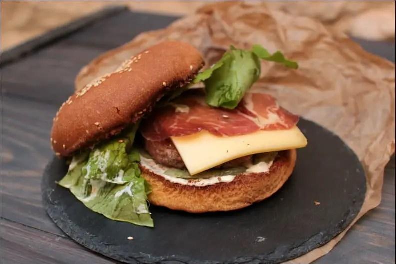 burger montagnard bœuf et raclette