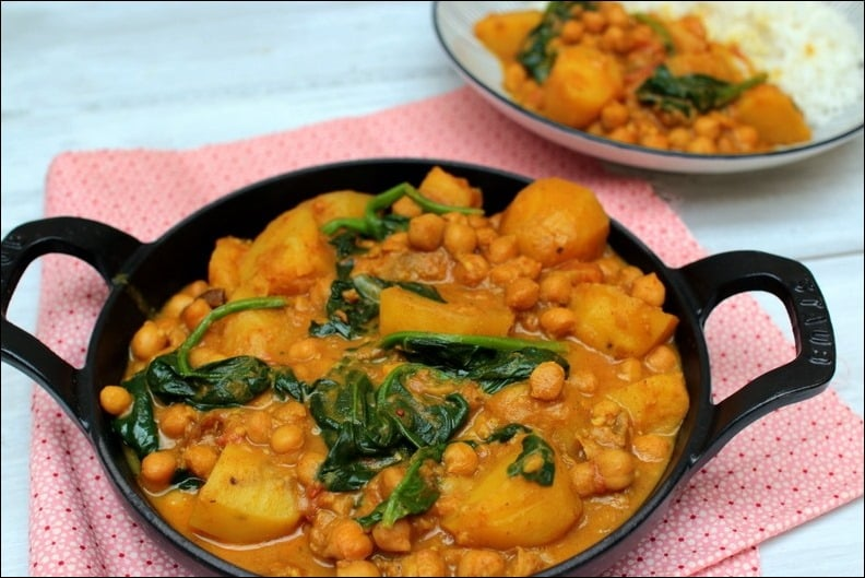 curry végétarien pommes de terre pois chiches épinards